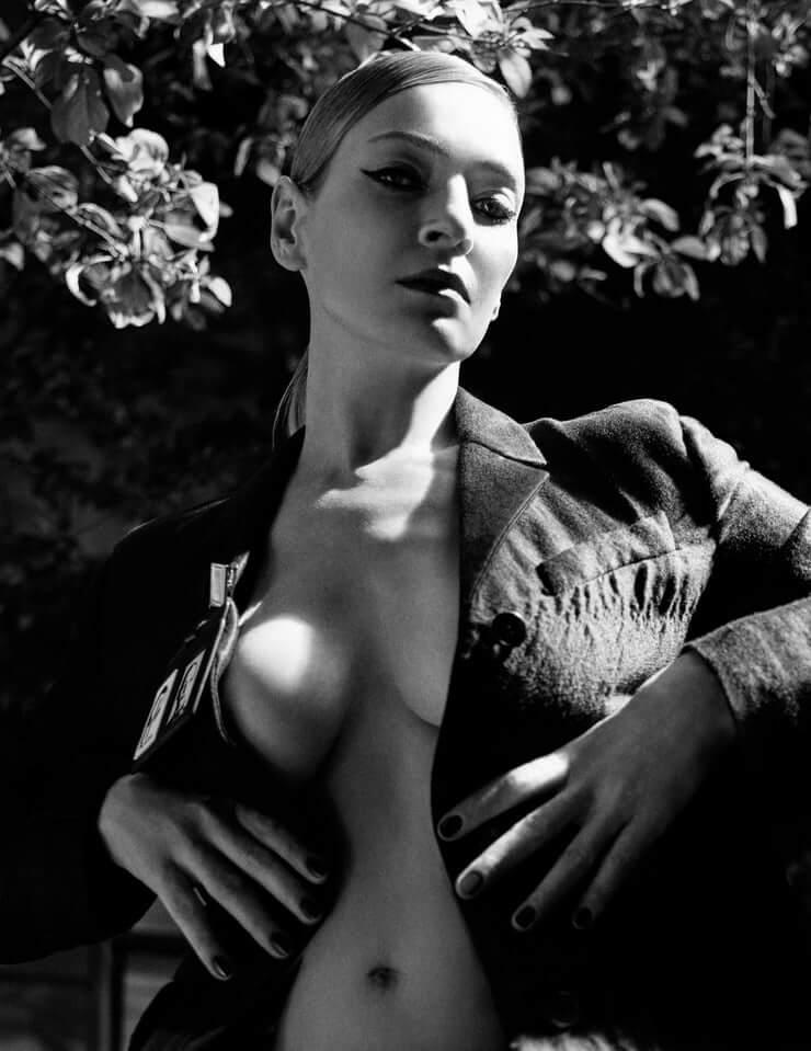 51 фотография Умы Турман с большими задницами загадочна - ВЫЖИМАЕТ НА КОФЕ