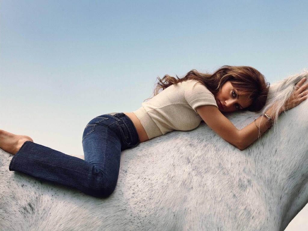 51 самая горячая фотография Бриттани Мерфи-Батт поистине удивительна