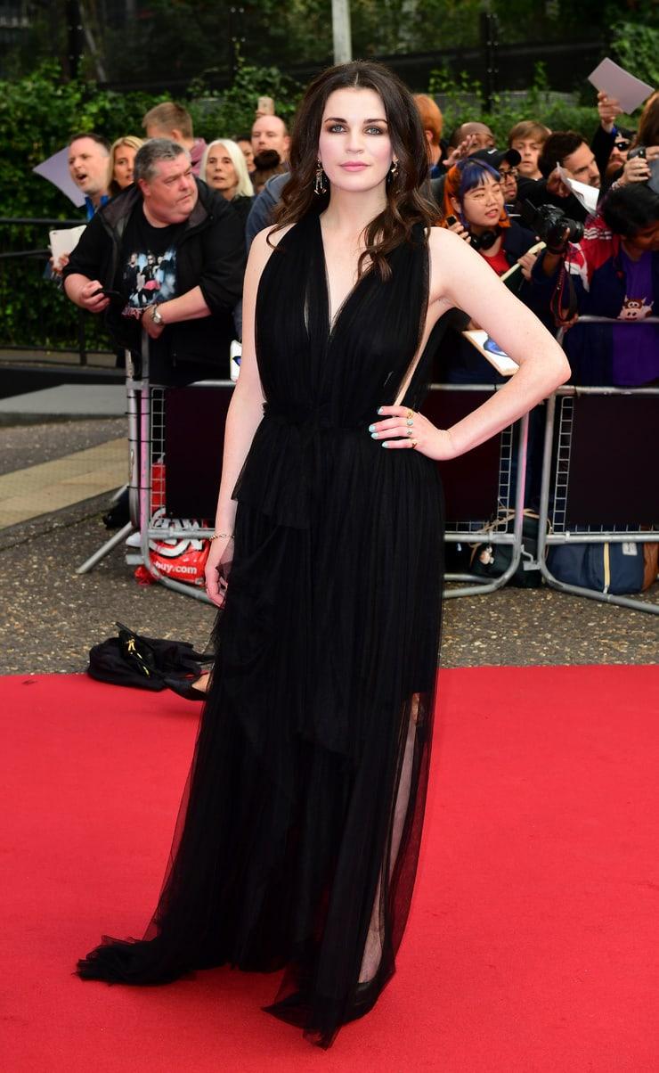 Aisling Bea hot looks