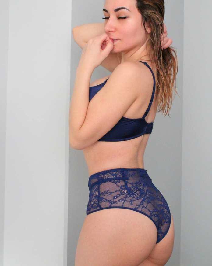 Alinity-booty