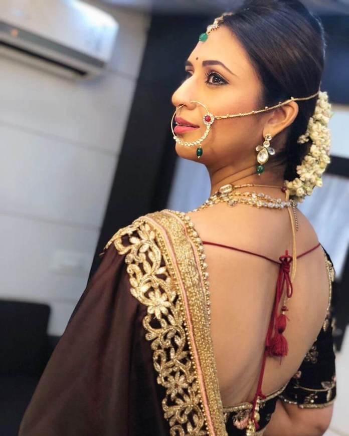 Divyanka Tripathi sexy back pics