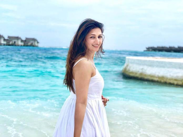 Divyanka Tripathi sexy