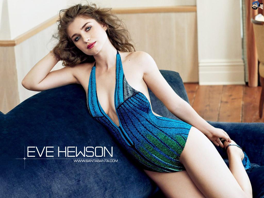 Eve Hewson sexy thigh pics
