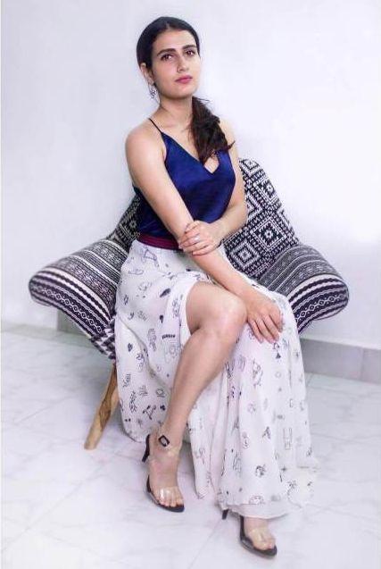 Fatima Sana Shaikh feet pics