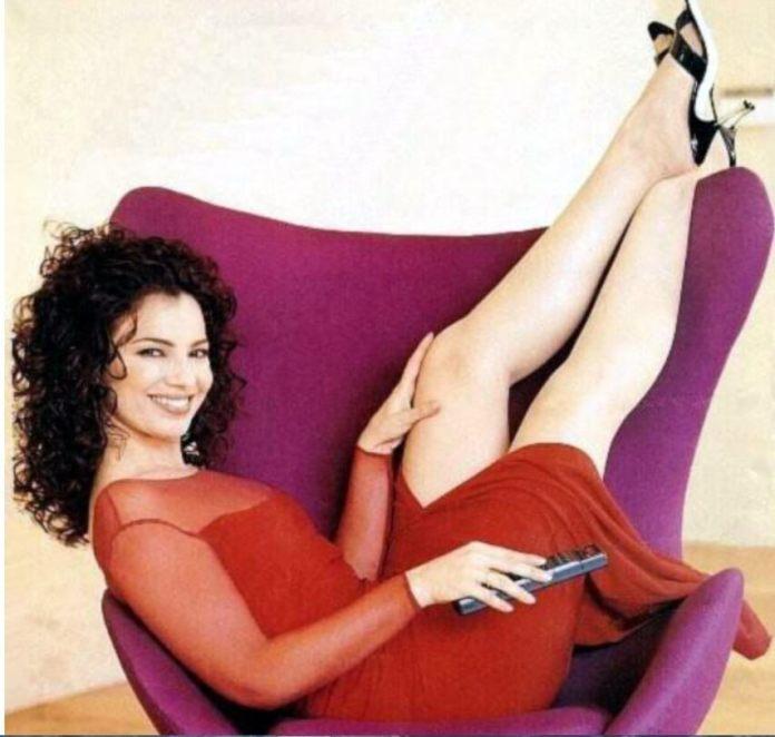 Fran Drescher sexy legs