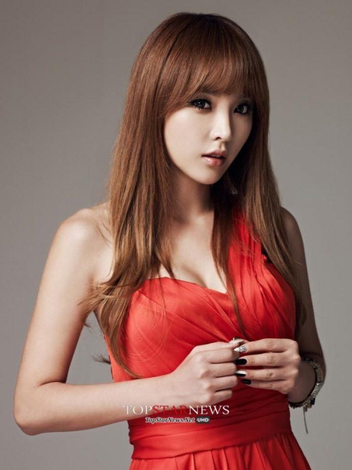 Hong Jin Young hot looks