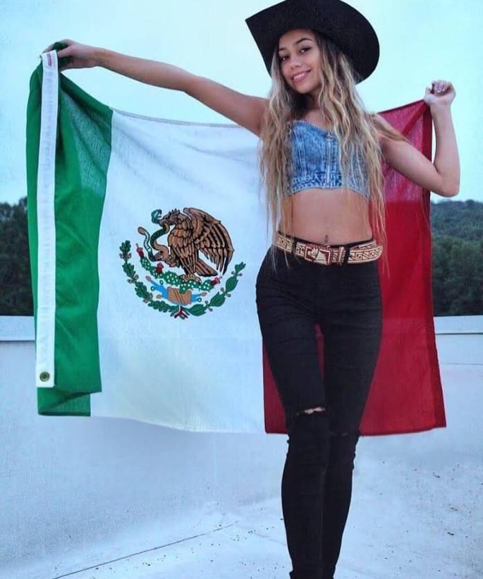 Ivanita Lomeli hot pictures