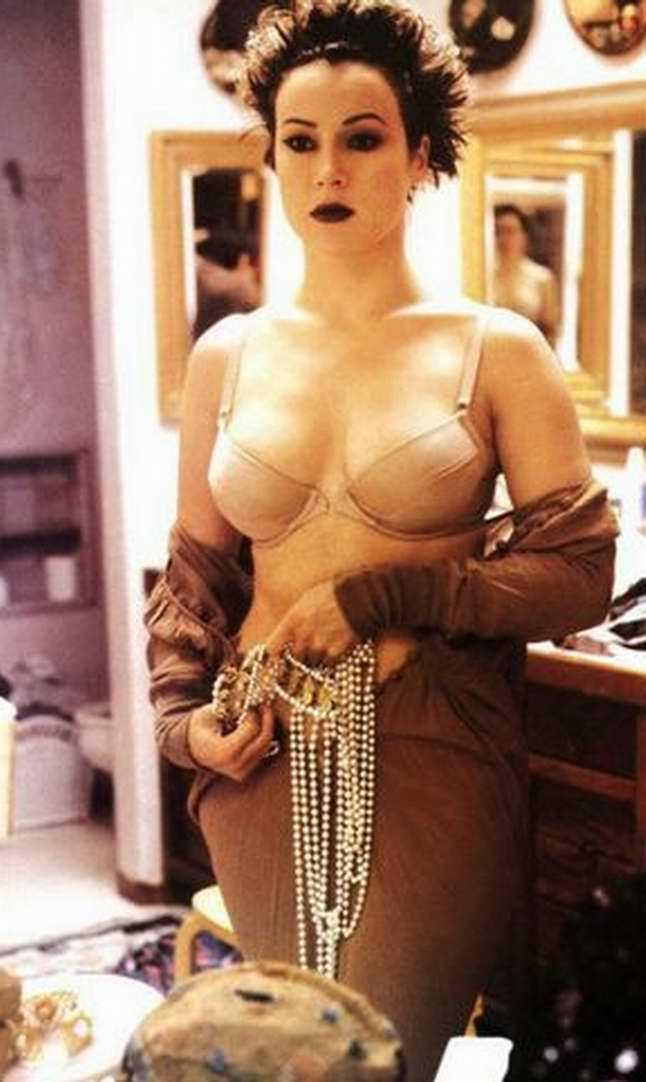 Jennifer Tilly sexy looks
