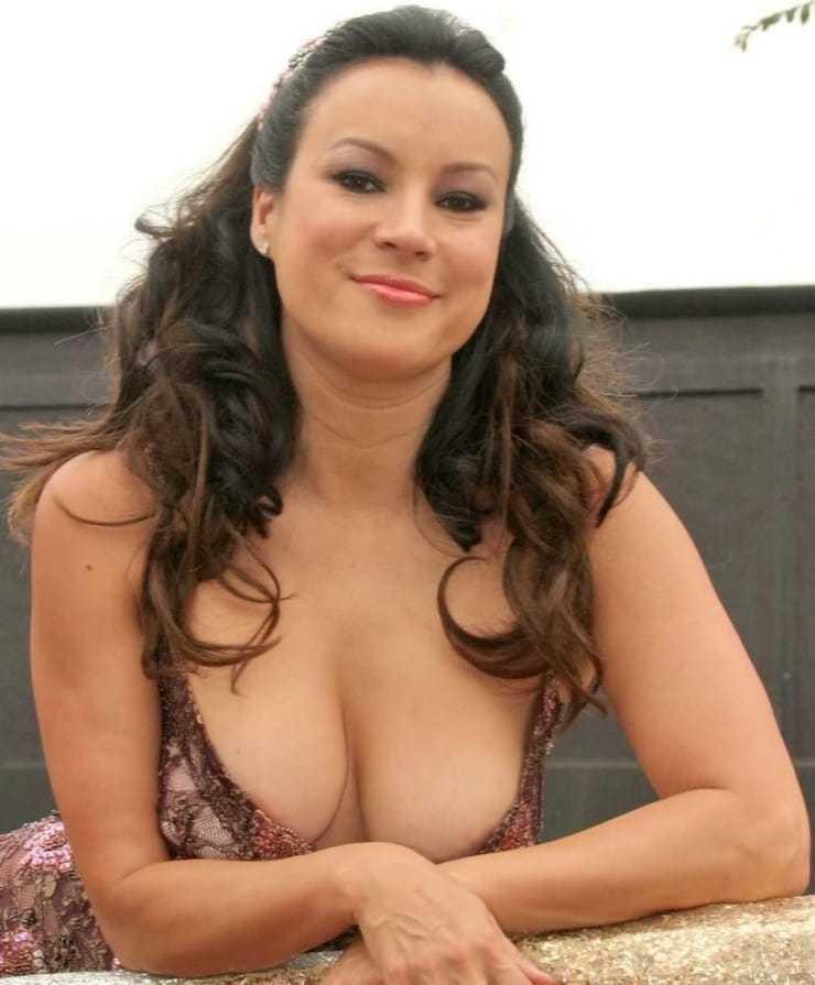 Jennifer Tilly tits