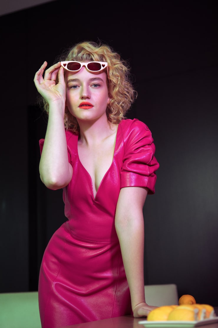 Julia Garner sexy