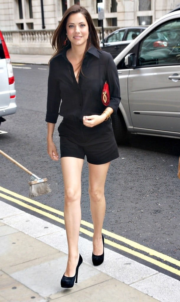 Julie Gonzalo sexy legs