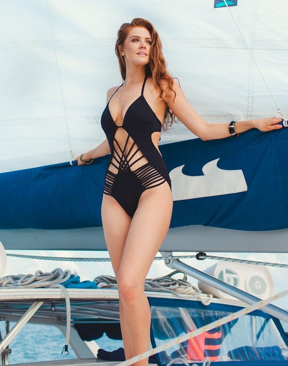 Maggie Geha hot legs