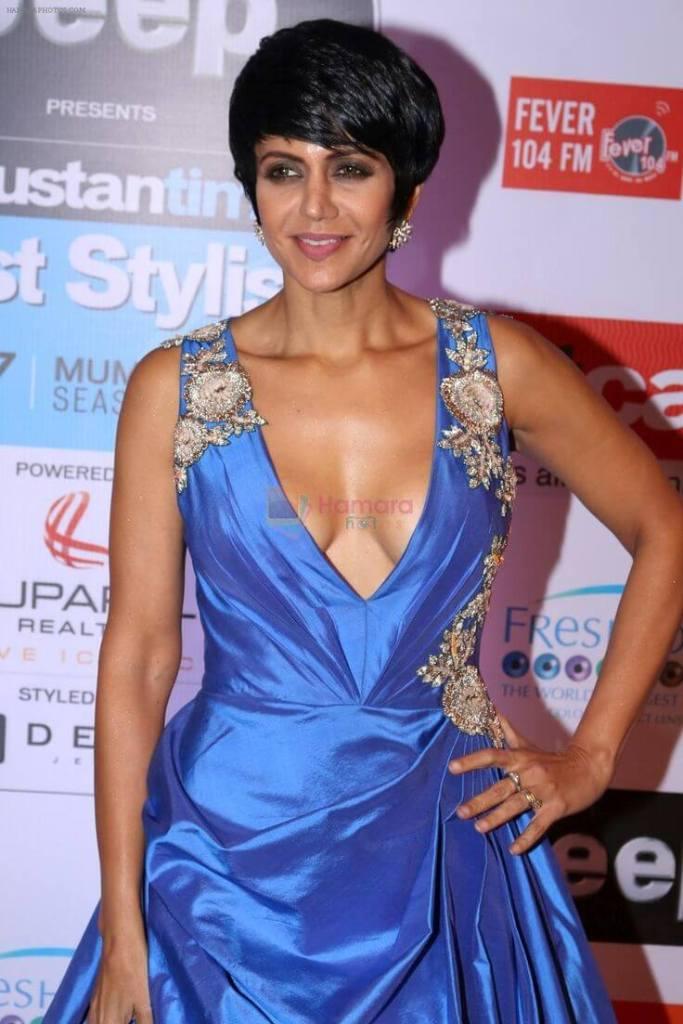 Mandira Bedi boobs pics