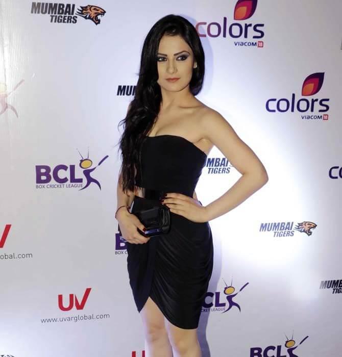 Radhika Madan hot pictures