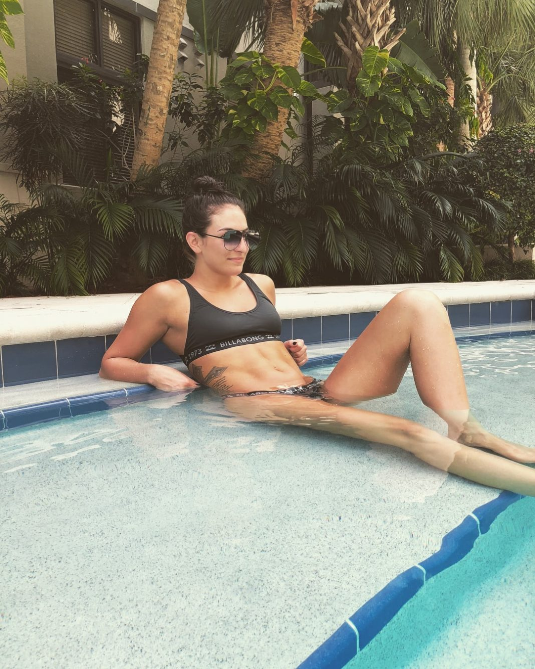 Sonya DeVille sexy legs