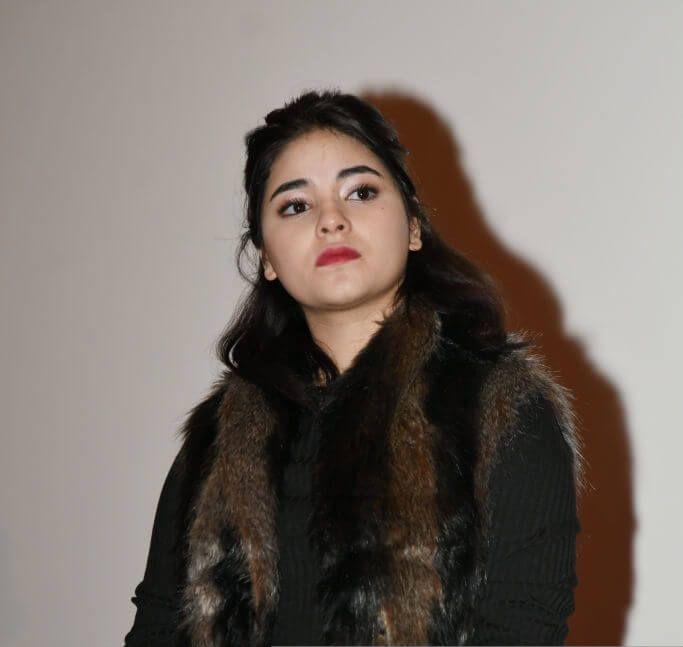 Zaira Wasim sexy lips