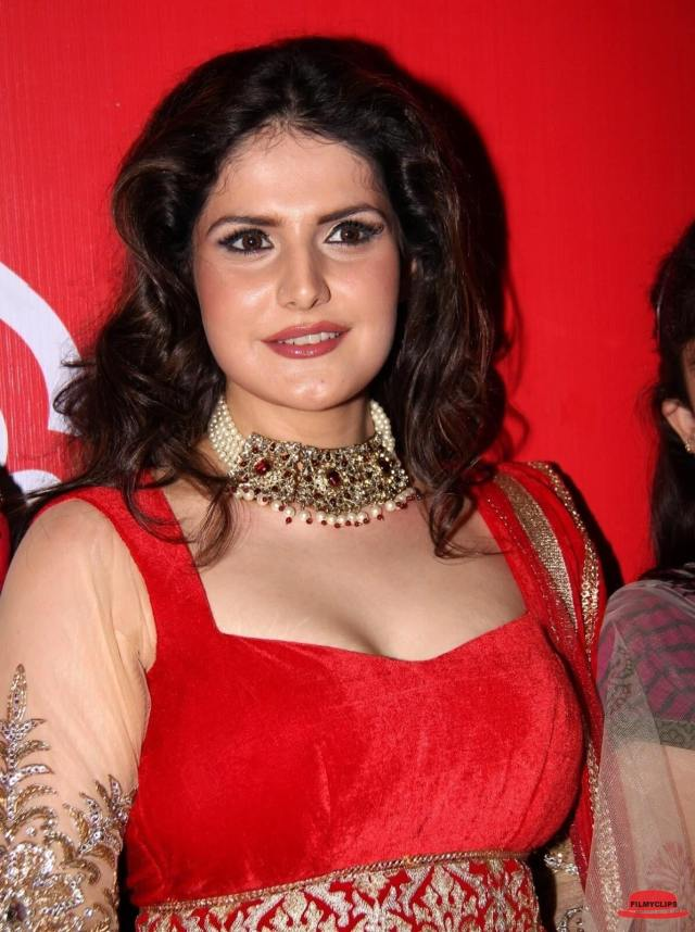 Zareen Khan big boobs pics