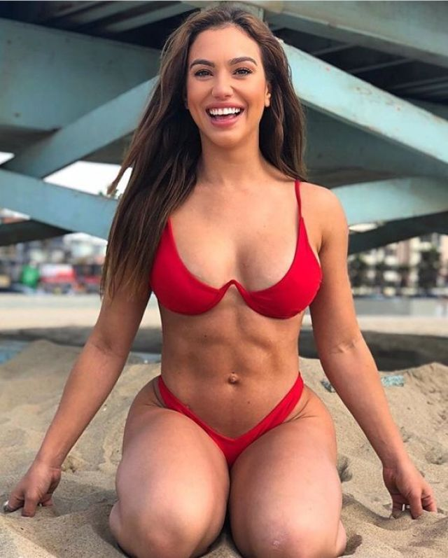 Chrystiane Lopes boobs pics