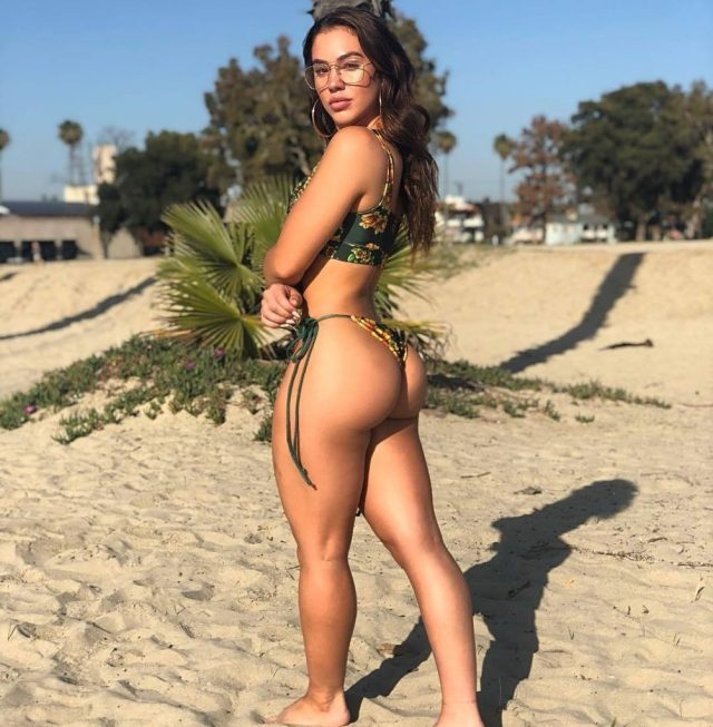 Chrystiane Lopes butt pics