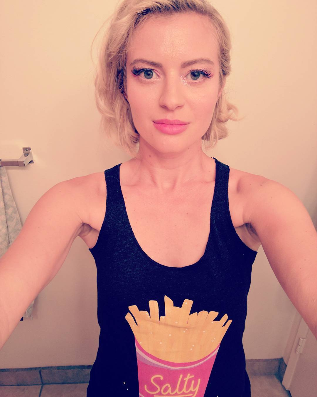 Elyse Willems hot lips