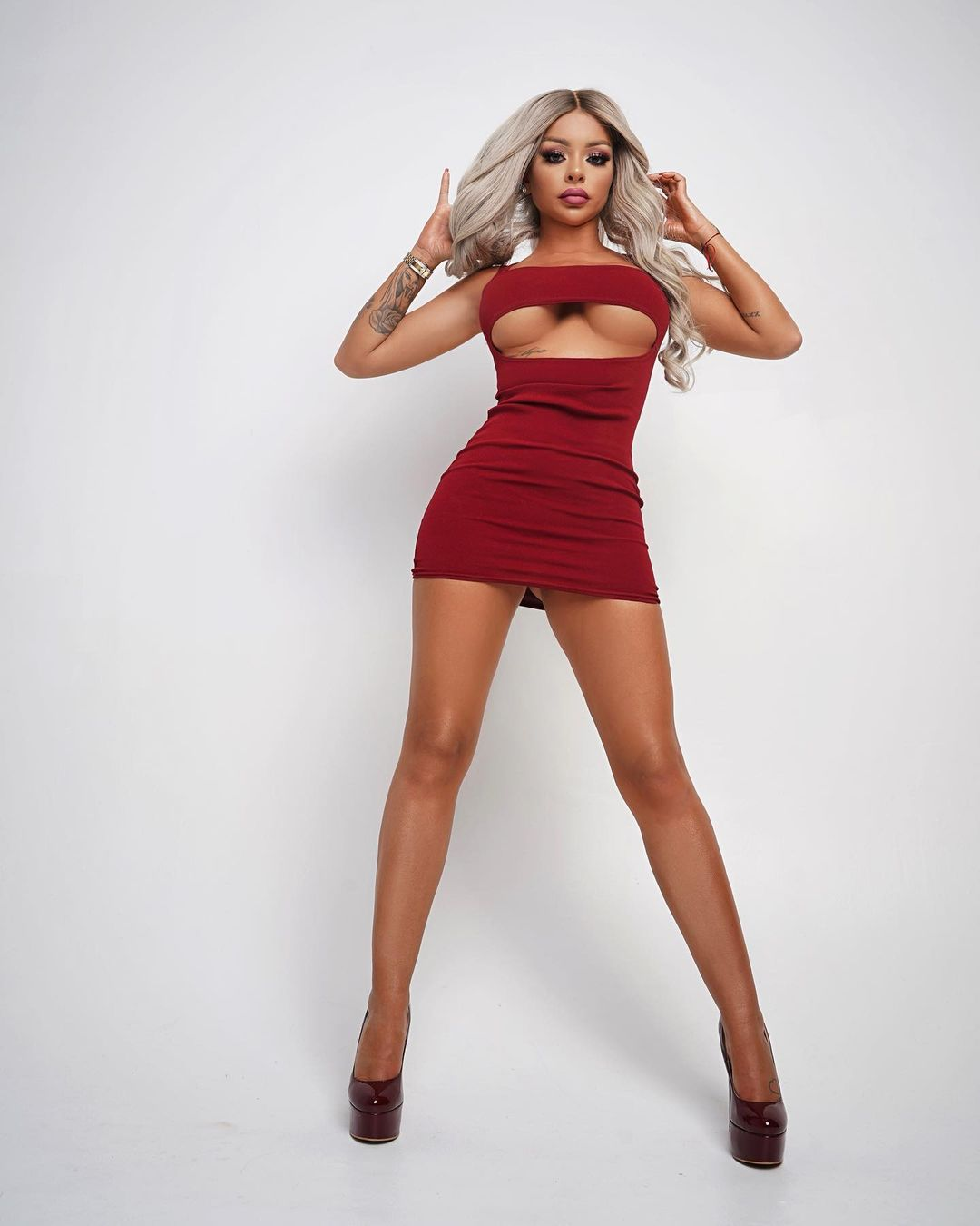 Katja Krasavice sexy legs