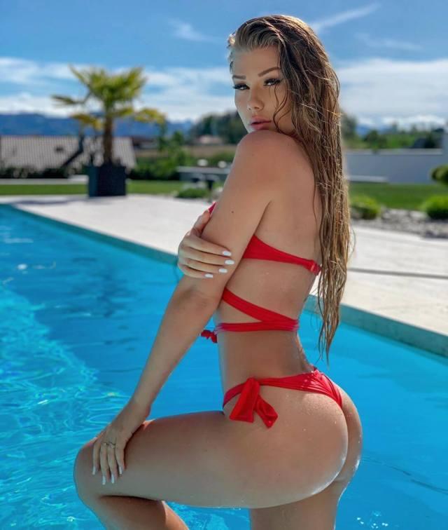 Kim Lamarin booty pics
