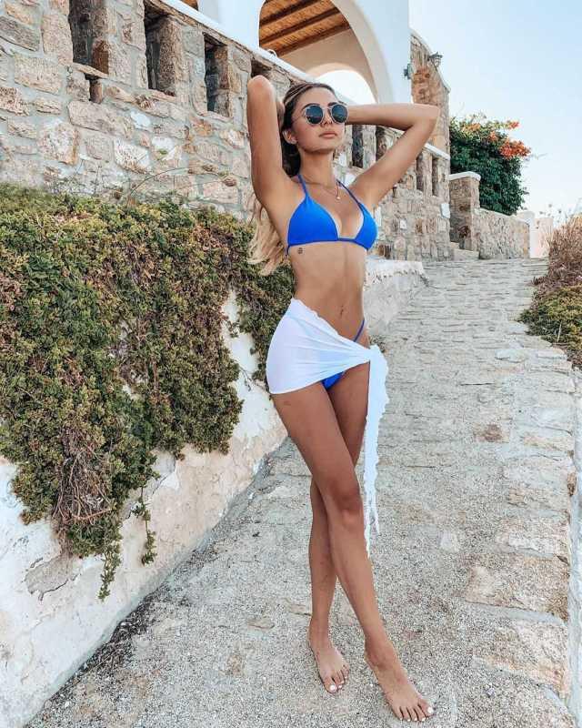 Lara Fraser sexy