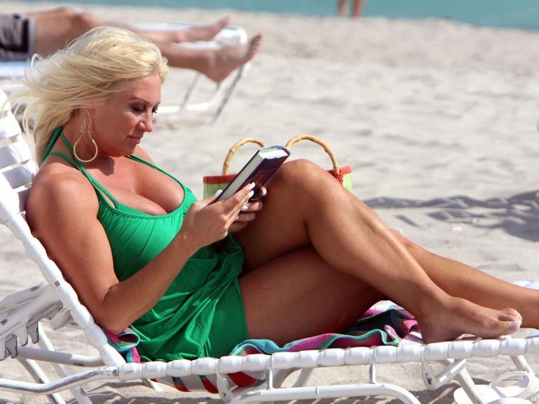 Linda Hogan big thigh pics