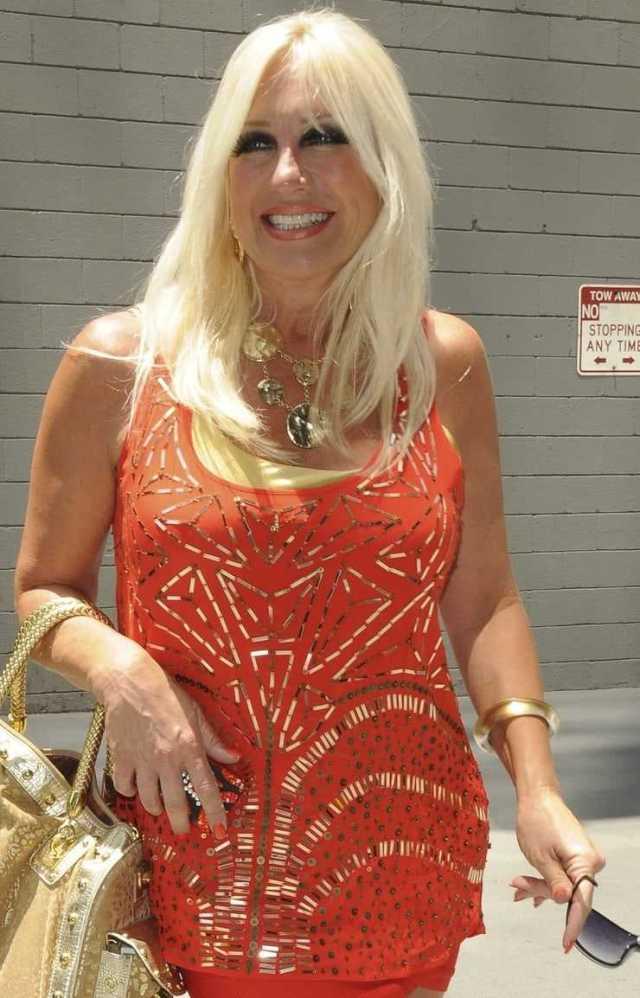 Linda Hogan hot pictures