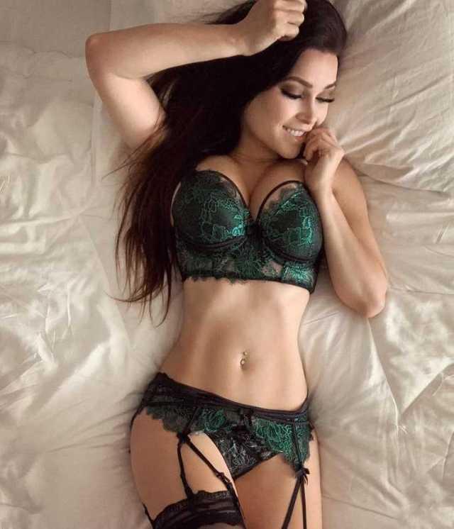 Niece Waidhofer lingerie pics