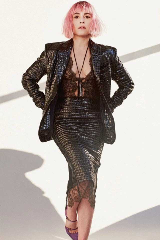Noomi Rapace sexy looks