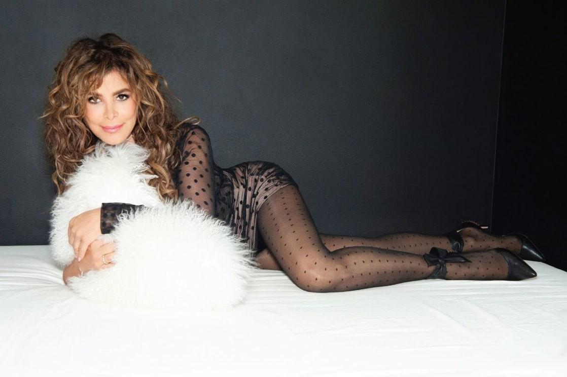 Paula Abdul sexy thigh pics