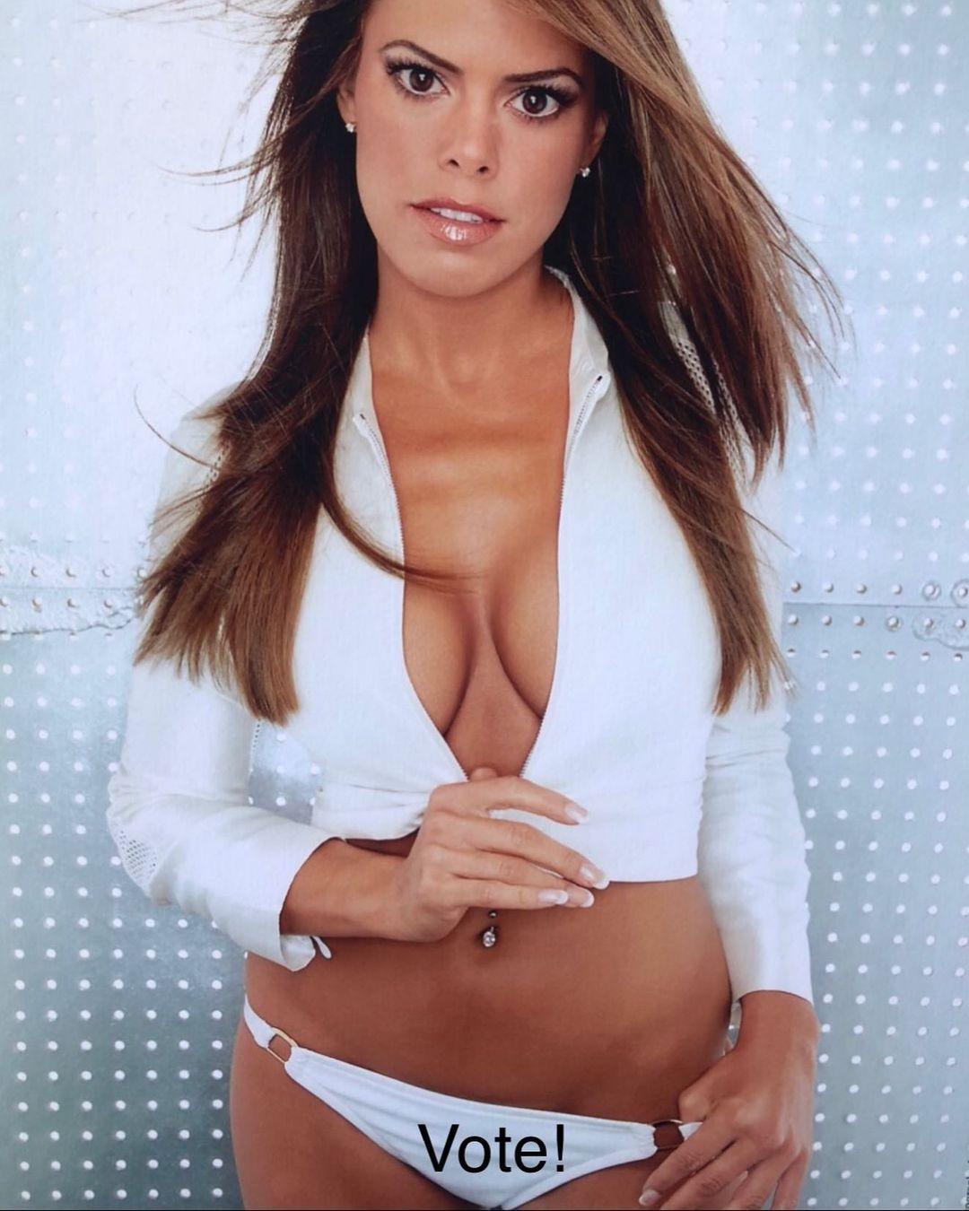 Rosa Blasi boobs pics