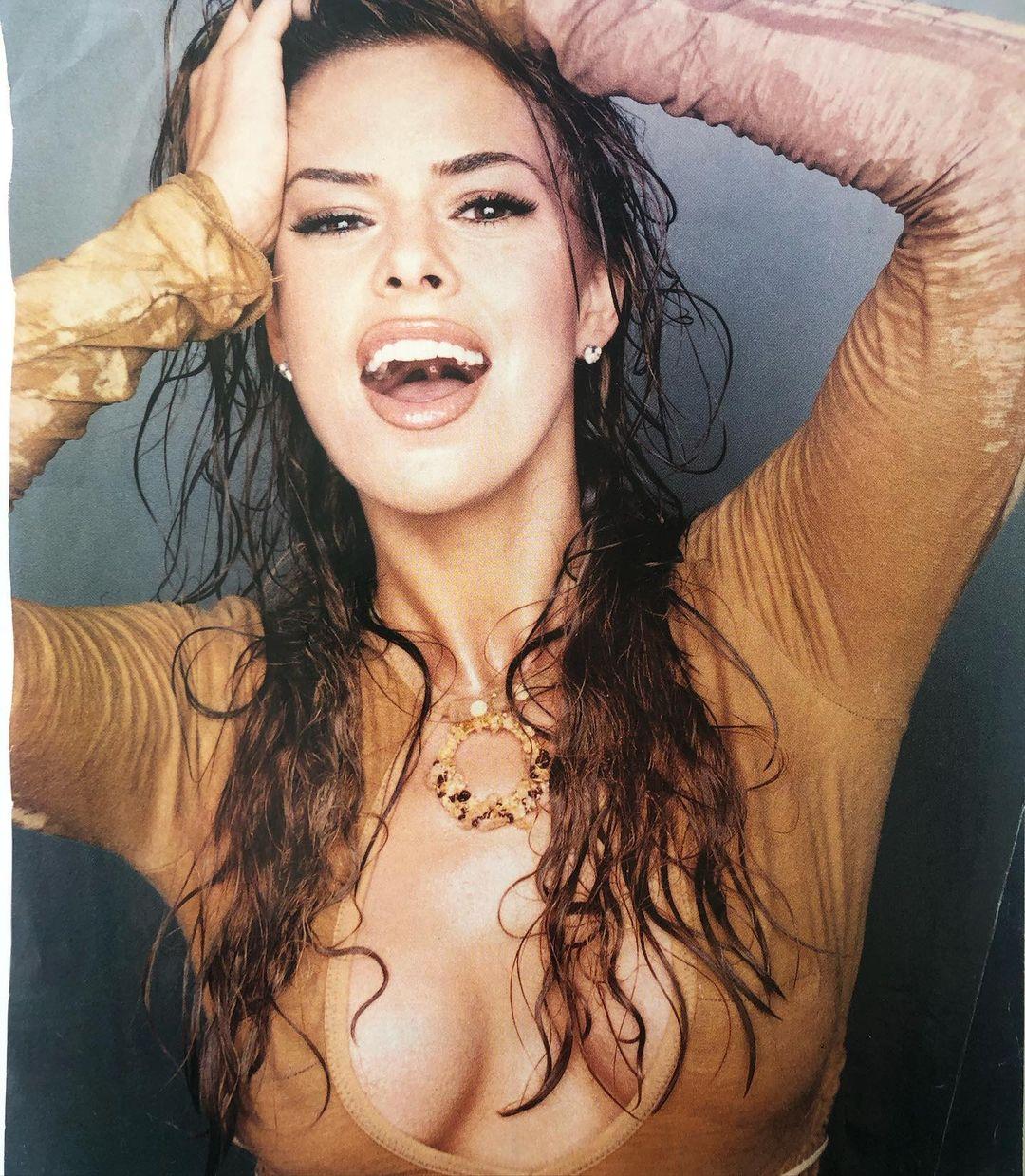 Rosa Blasi breast pics