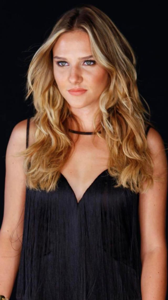 Alina Boz sexy