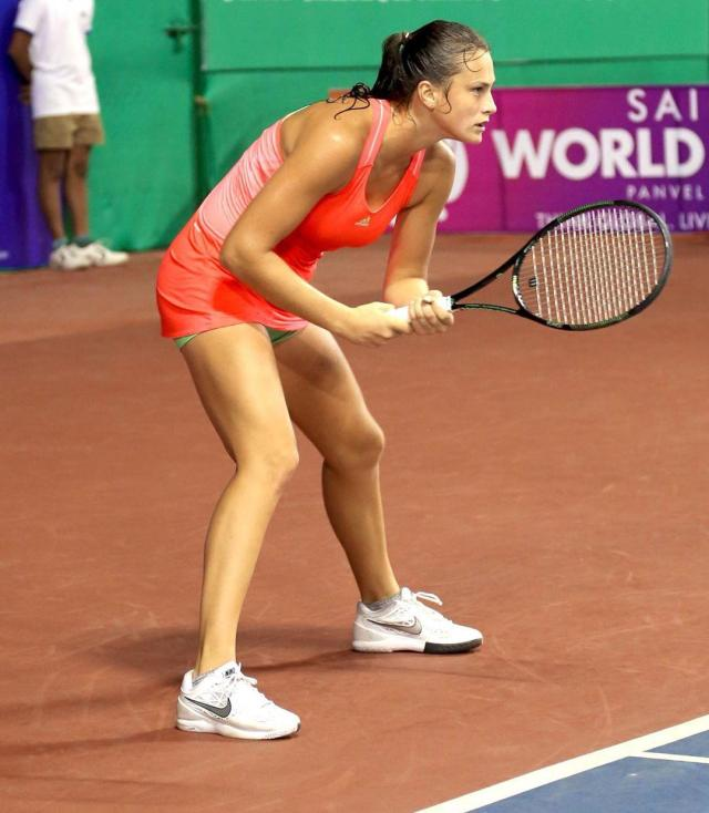 Aryna Sabalenka sexy legs