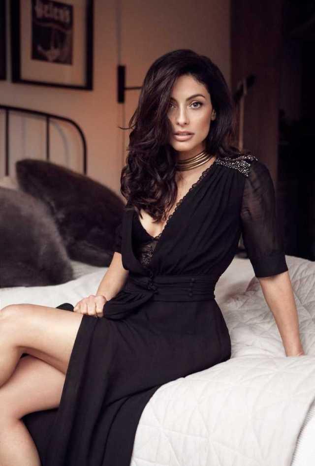 Erica Cerra sexy thigh pics