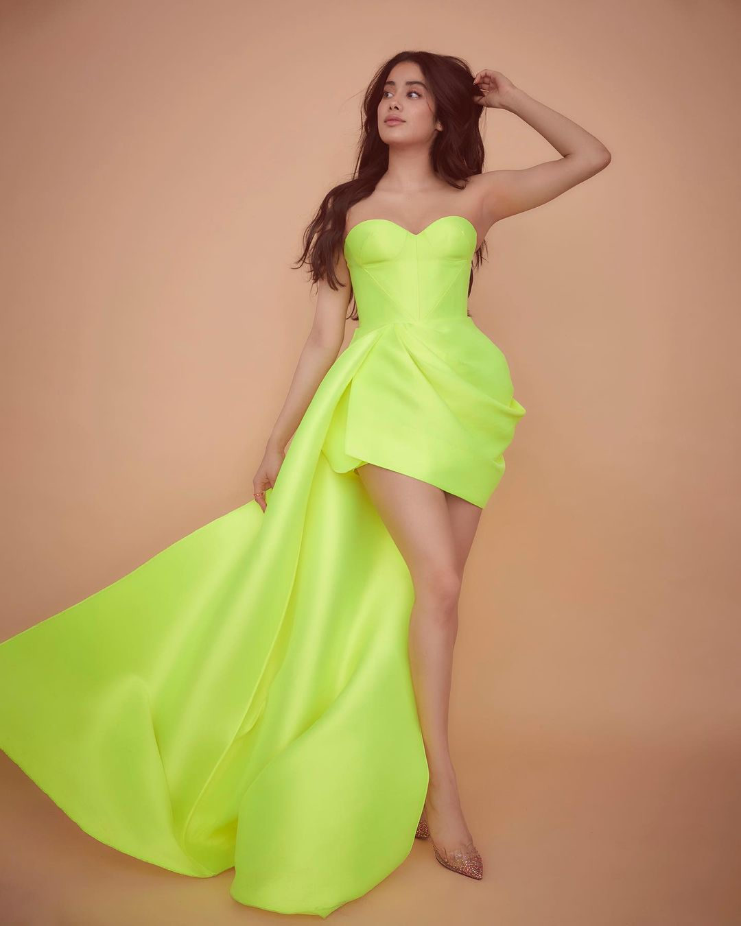 Janhvi Kapoor sexy