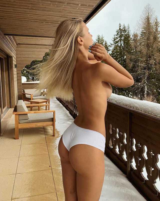 Polina Malinovskaya butt pics
