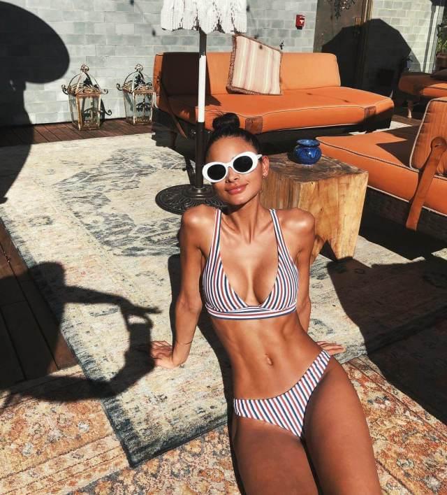 Sophia Esperanza hot bikini pics