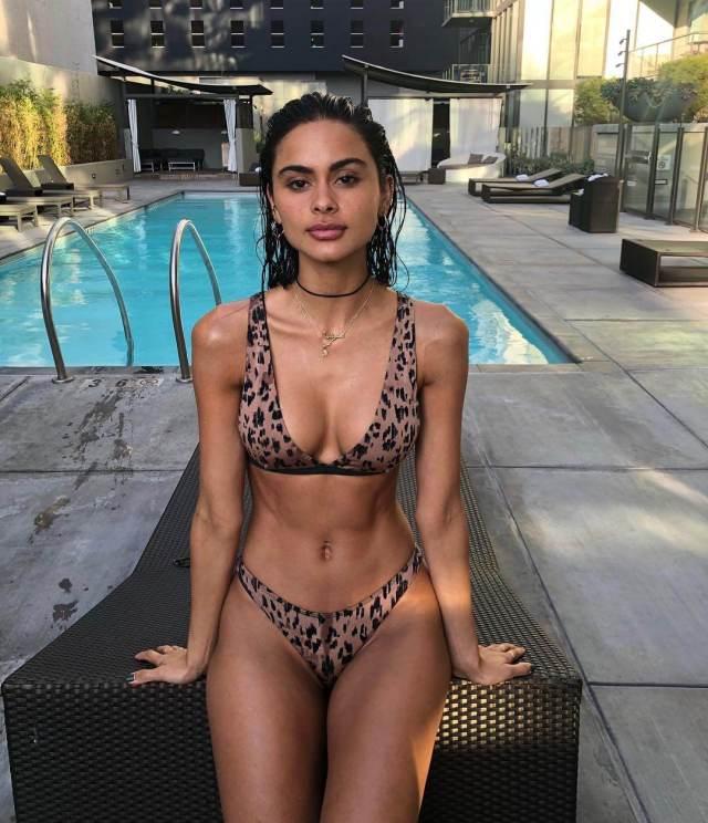 Sophia Esperanza lingerie pics