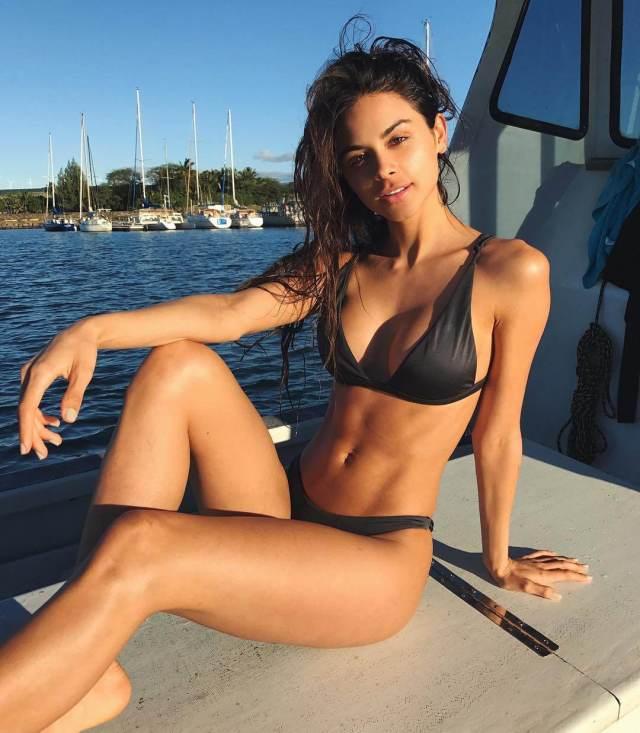 Sophia Esperanza sexy legs
