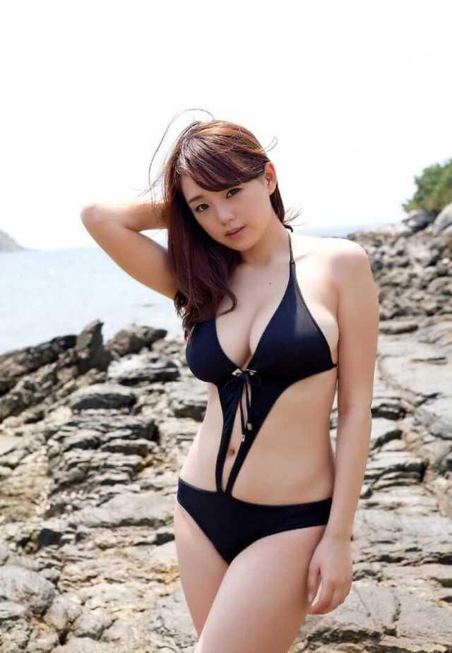 Ai Shinozaki sexy photo