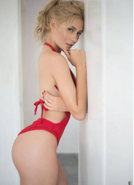 Issa Vegas sexy