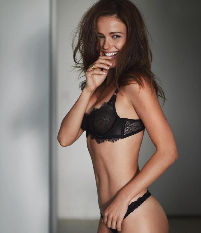 Jocelyn Hudon hot