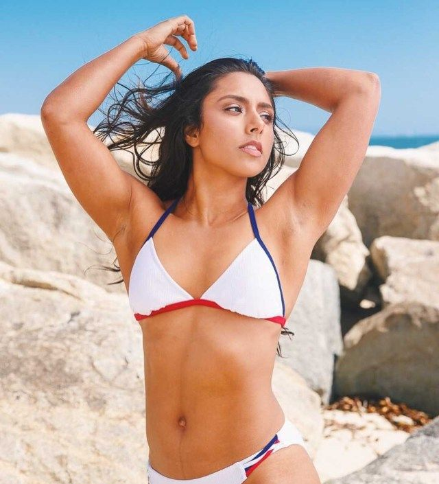Michelle Khare sexy pictures