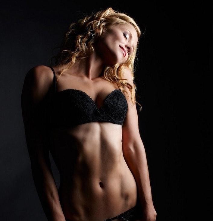 Ellen Hollman hot