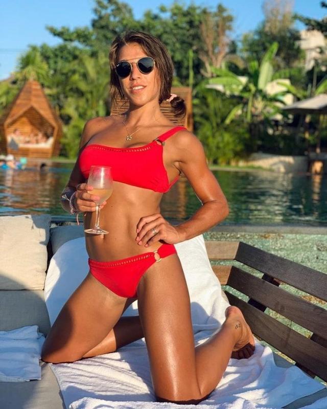 Joanna Jedrzejczyk bikini pics