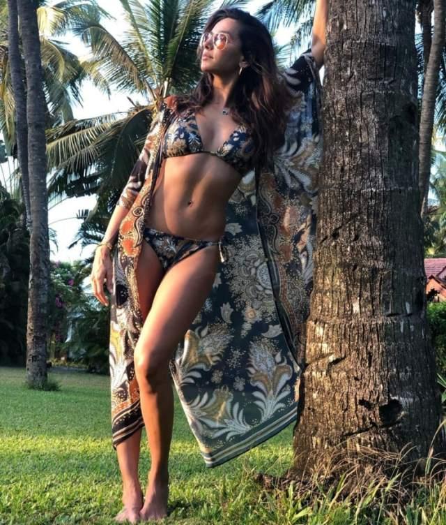 Shibani Dandekar bikini pics