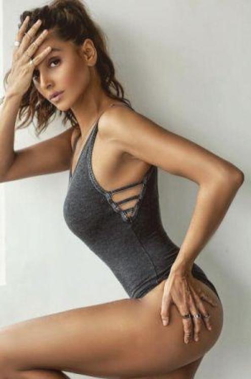 Shibani Dandekar sexy